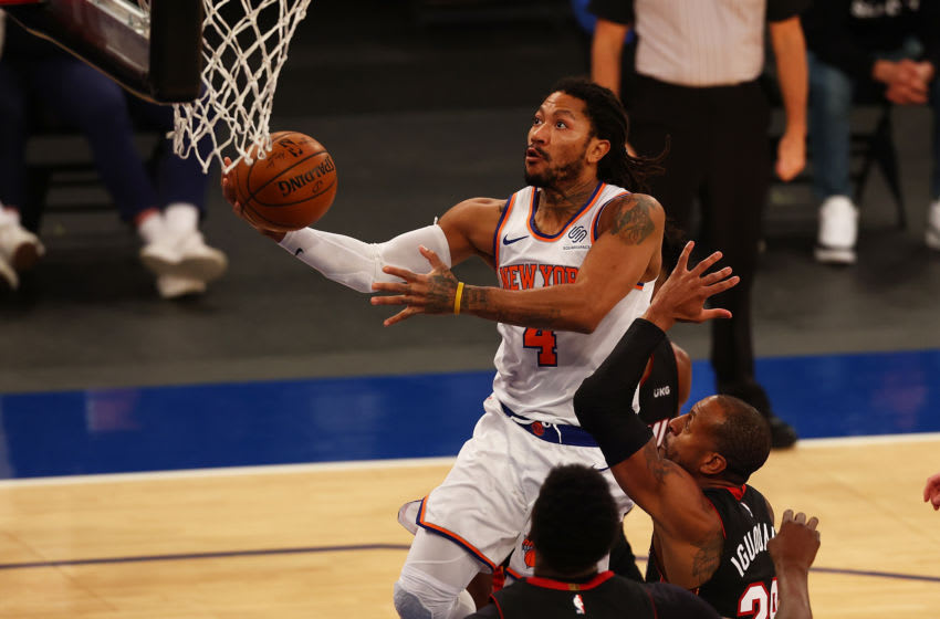 Derrick Rose #4 of the New York Knicks drives to the basket against the Miami Heat (Photo by Mike Stobe/Getty Images)