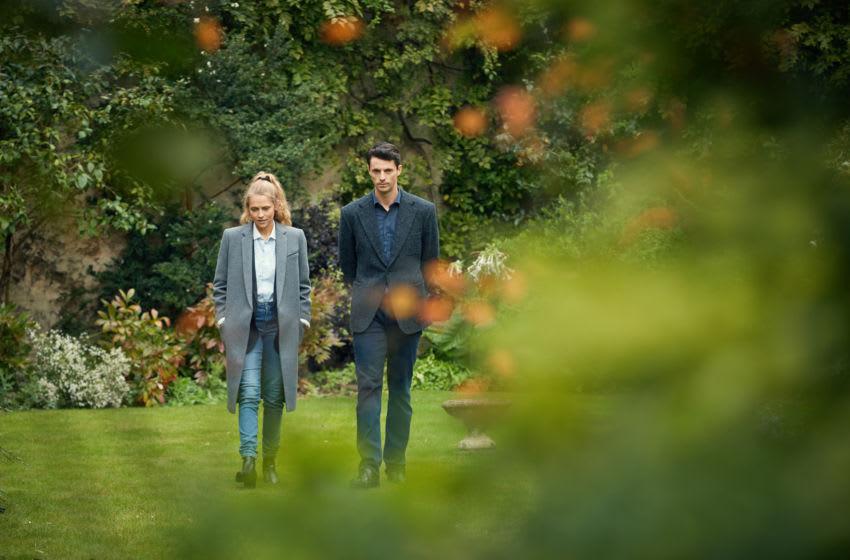 Teresa Palmer as Diana Bishop, Matthew Goode as Matthew Clairmont- A Discovery of Witches _ Season 1, Episode 2 - Photo Credit: Robert Viglasky/SundanceNow/Shudder/Bad Wolf