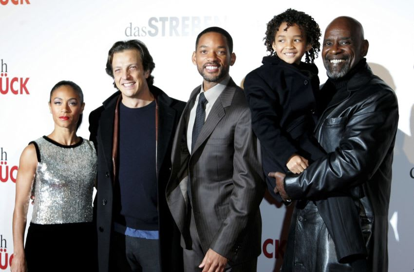 BERLIN - JANUARY 09: (L-R) Jada Pinkett Smith, director Gabriele Muccino, actor Will Smith, son Jaden Smith and Chris Gardner attend The Pursuit of Happyness German Premiere on January 9, 2007 in Berlin, Germany. Will Smith portrays Gardner in the movie. (Photo by Andreas Rentz/Getty Images)