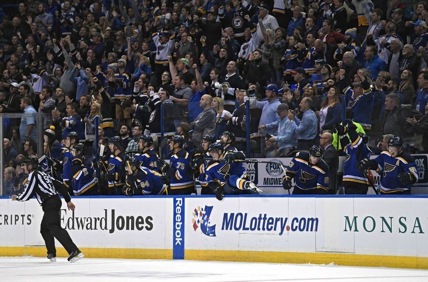 Nov 17, 2016; St. Louis, MO, USA; St. Louis Blues and fans celebrate after defeating the San Jose Sharks 3-2 at Scottrade Center. Mandatory Credit: Jeff Curry-USA TODAY Sports