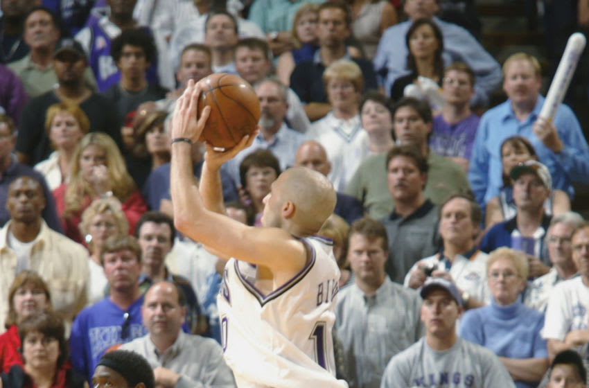 Sacramento Kings Mike Bibby (Photo by: Rocky Widner/NBAE/Getty Images)