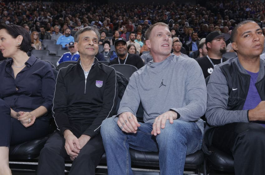 SACRAMENTO, CA - FEBRUARY 3: Sacramento Kings owner Vivek Ranadive watches the game alongside former NBA player Jason Williams during the game between the Dallas Mavericks and Sacramento Kings on February 3, 2018 at Golden 1 Center in Sacramento, California. NOTE TO USER: User expressly acknowledges and agrees that, by downloading and or using this photograph, User is consenting to the terms and conditions of the Getty Images Agreement. Mandatory Copyright Notice: Copyright 2018 NBAE (Photo by Rocky Widner/NBAE via Getty Images)