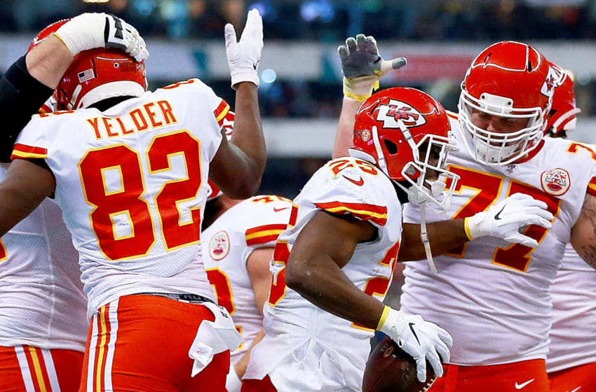 MEXICO CITY, MEXICO - NOVEMBER 18: Running back LeSean McCoy #25 of the Kansas City Chiefs and teammates celebrate his touchdown in the first quarter against Los Angeles Chargers at Estadio Azteca on November 18, 2019 in Mexico City, Mexico. (Photo by Manuel Velasquez/Getty Images)