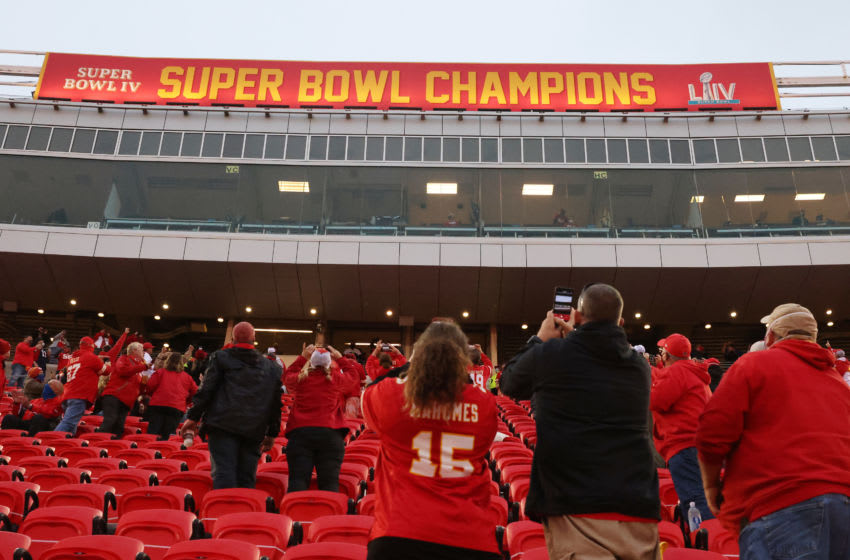 KANSAS CITY, MISSOURI - SEPTEMBER 10: The Kansas City Chiefs unveil their championship banner to fans before the start of a game Houston Texans at Arrowhead Stadium on September 10, 2020 in Kansas City, Missouri. (Photo by Jamie Squire/Getty Images)