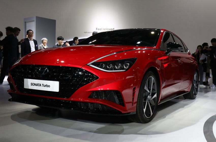 GOYANG, SOUTH KOREA - MARCH 28: People view the Hyundai Motor SONATA during the Seoul Motor Show 2019 at KINTEX on March 28, 2019 in Goyang, South Korea. The Seoul Motor Show 2015 will be held in March 29 to April 7, featuring state-of-the-art technologies and concept cars from global automakers. (Photo by Chung Sung-Jun/Getty Images)