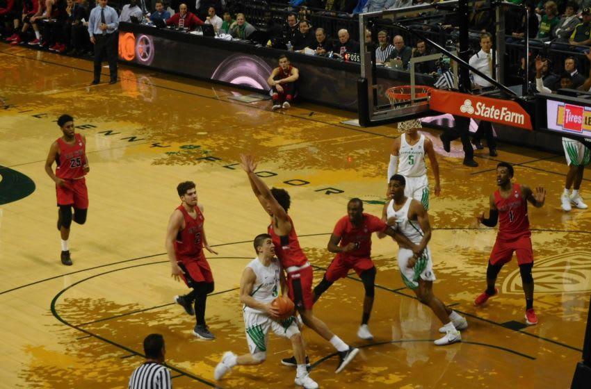 Payton Pritchard drives to the basket vs Ball State at Matthew Knight Arena. Justin Phillips/KPNW Sports