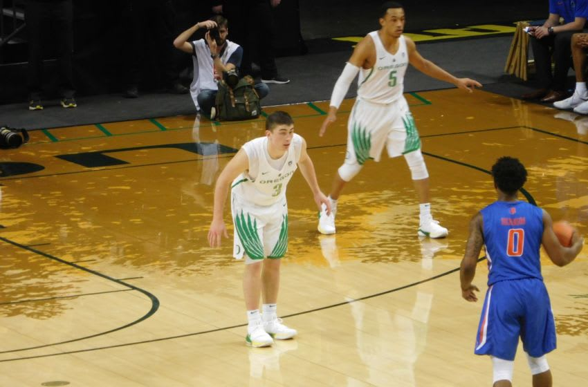 Payton Pritchard defends against Boise State at Matthew Knight Arena