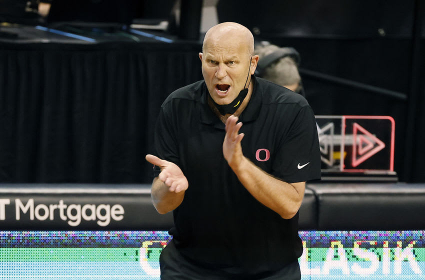 EUGENE, OREGON - FEBRUARY 15: Head coach Kelly Graves of the Oregon Ducks encourages his team against the Stanford Cardinal during the second half at Matthew Knight Arena on February 15, 2021 in Eugene, Oregon. (Photo by Soobum Im/Getty Images)