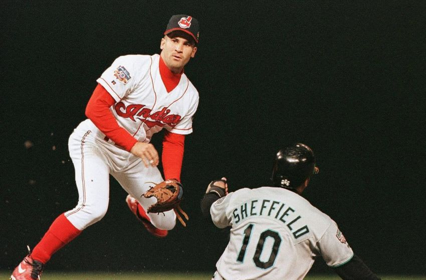 Cleveland Indians shortstop Omar Vizquel (Photo credit should read JEFF HAYNES/AFP via Getty Images)