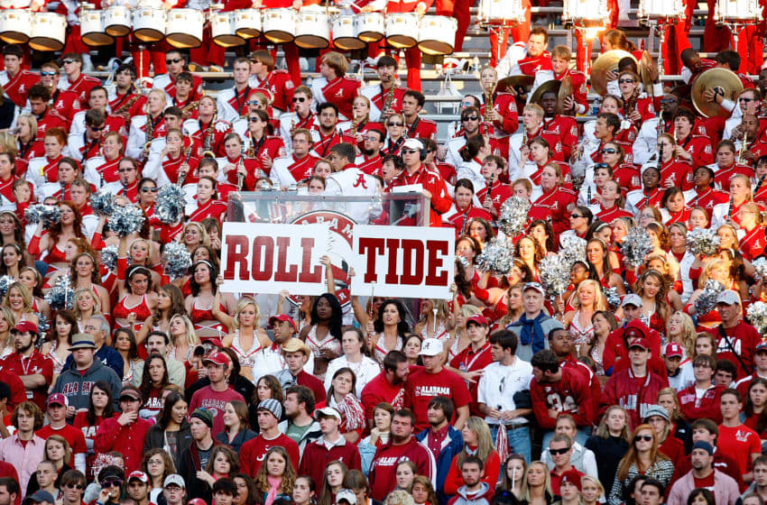TUSCALOOSA, AL - OCTOBER 24: Fans of the Alabama Crimson Tide cheer against the Tennessee Volunteers at Bryant-Denny Stadium on October 24, 2009 in Tuscaloosa, Alabama. (Photo by Kevin C. Cox/Getty Images)