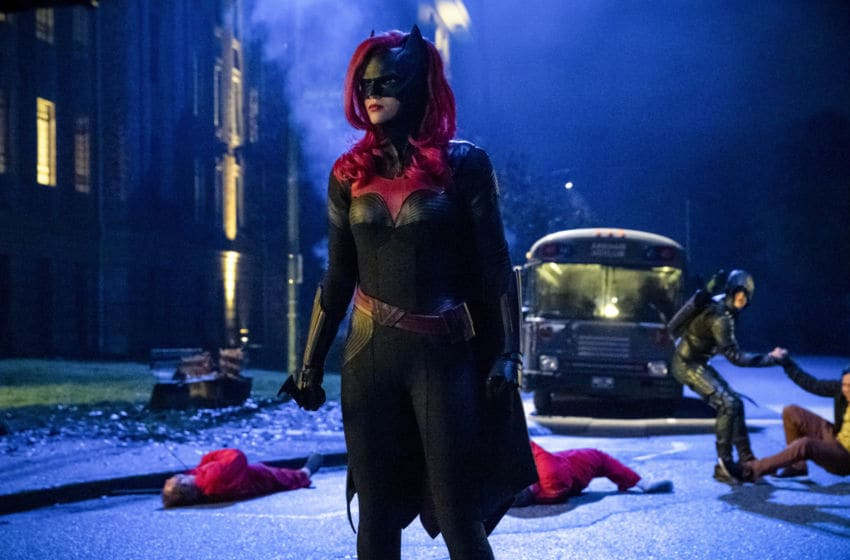 Ruby Rose as Kate Kane/Batwoman and Grant Gustin as Oliver Queen/Green Arrow in Arrow --