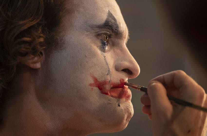 """JOAQUIN PHOENIX as Arthur Fleck in Warner Bros. Pictures, Village Roadshow Pictures and BRON Creative's tragedy """"JOKER,"""" a Warner Bros. Pictures release. Photo Credit: Niko Tavernise."""