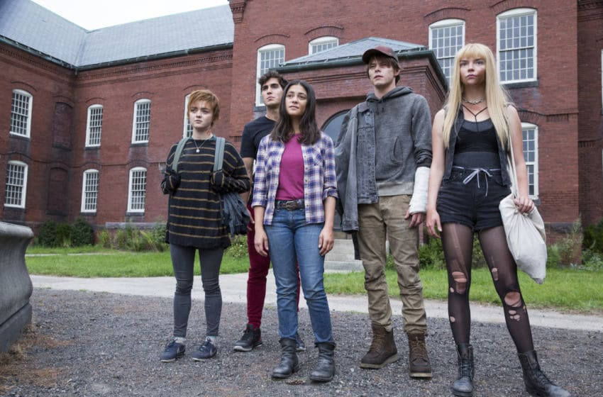 "Maisie Williams, Henry Zaga, Blu Hunt, Charlie Heaton and Anya Taylor-Joy in ""The New Mutants."" © 2020 Twentieth Century Fox Film Corporation"