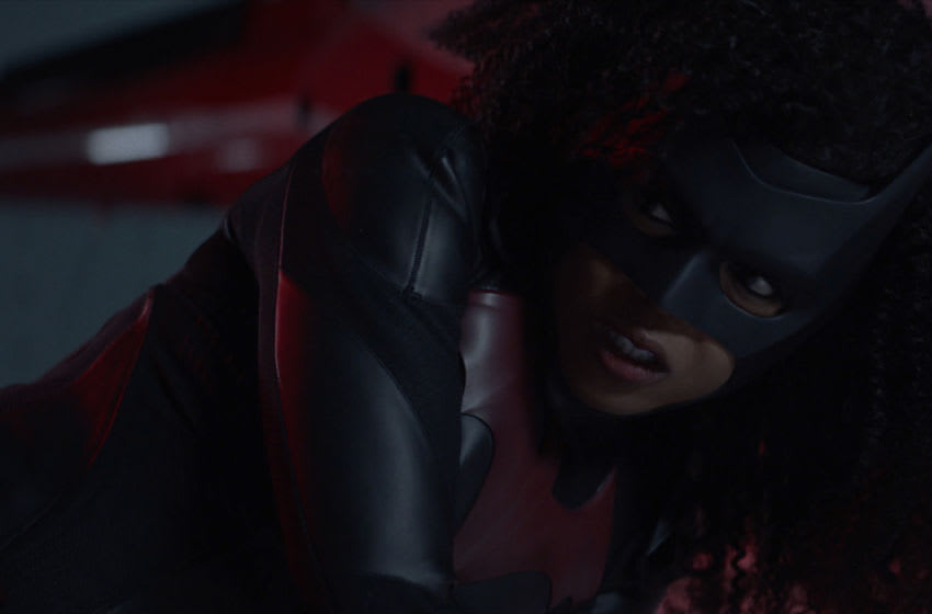 "Batwoman -- ""Gore on Canvas"" -- Image Number: BWN205fg_0055r -- Pictured (L-R): Javicia Leslie as Batwoman -- Photo: The CW -- © 2021 The CW Network, LLC. All Rights Reserved."