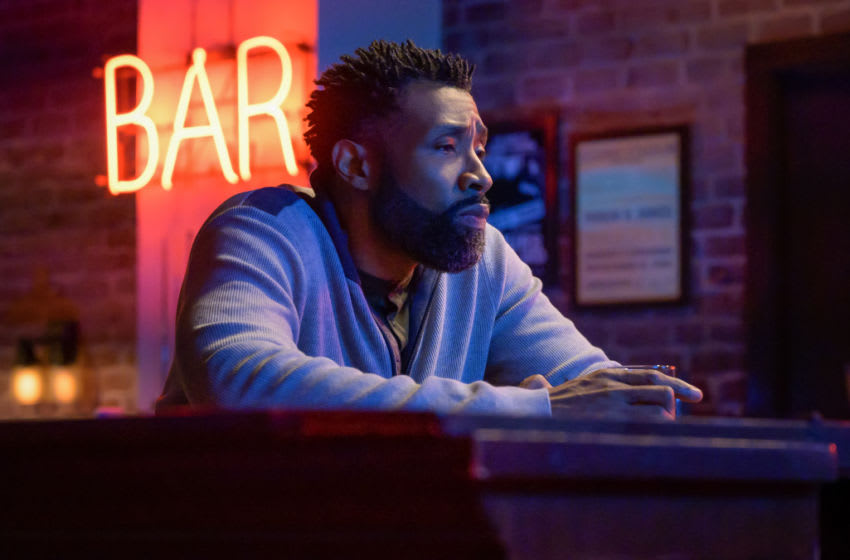 """Black Lightning -- """"TThe Book of Reunification: Chapter Two"""" -- Image Number: BLK411a_0078r.jpg -- Pictured: Cress Williams as Jefferson— Photo: Boris Martin/The CW -- 2021 The CW Network, LLC. All rights reserved."""