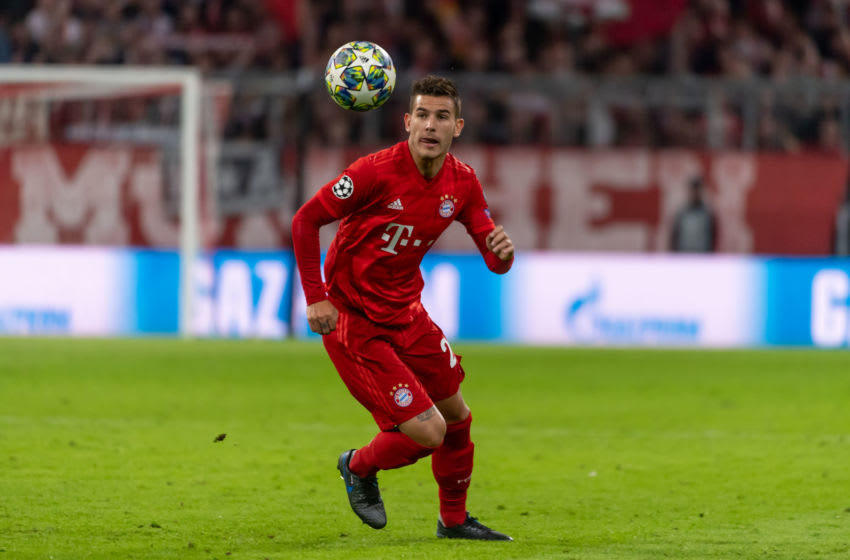 MUNICH, GERMANY - SEPTEMBER 18: Lucas Hernandez of FC Bayern Muenchen controls the ball during the UEFA Champions League group B match between Bayern Muenchen and Crvena Zvezda at Allianz Arena on September 18, 2019 in Munich, Germany. (Photo by TF-Images/Getty Images)