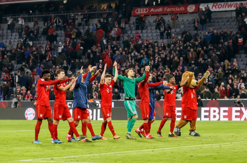 MUNICH, GERMANY - JANUARY 25: (BILD ZEITUNG OUT) the player's of FC Bayern Muenchen celebrate after winning the Bundesliga match between FC Bayern Muenchen and FC Schalke 04 at Allianz Arena on January 25, 2020 in Munich, Germany. (Photo by TF-Images/Getty Images)