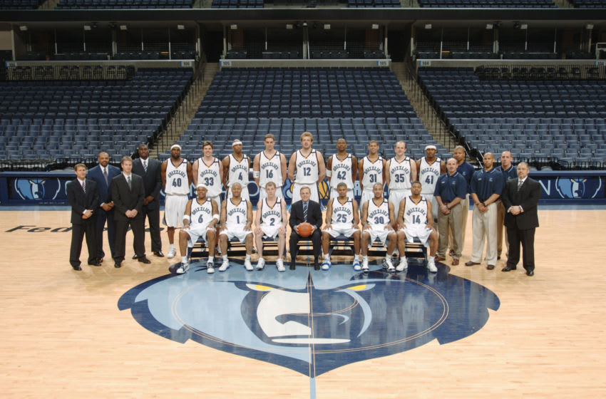 MEMPHIS, TN - APRIL 19: The Memphis Grizzlies pose for a team photo on April 19, 2004 at the FedEx Forum in Memphis, Tennessee. NOTE TO USER: User expressly acknowledges and agrees that, by downloading and or using this photograph, User is consenting to the terms and conditions of the Getty Images License Agreement. Mandatory Copyright Notice: Copyright 2005 NBAE (Photo by Joe Murphy/NBAE via Getty Images)