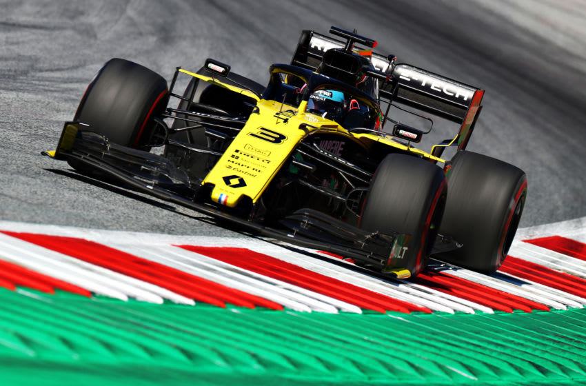 SPIELBERG, AUSTRIA - JUNE 28: Daniel Ricciardo of Australia driving the (3) Renault Sport Formula One Team RS19 on track during practice for the F1 Grand Prix of Austria at Red Bull Ring on June 28, 2019 in Spielberg, Austria. (Photo by Mark Thompson/Getty Images)