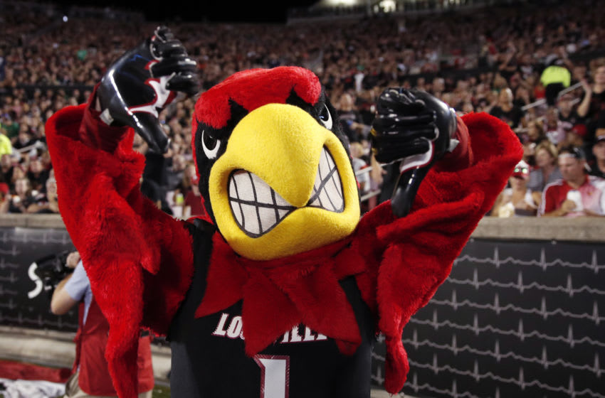 Louisville Cardinals mascot Louie the Cardinal (Photo by Joe Robbins/Getty Images)