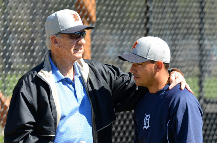 LAKELAND, FL - FEBRUARY 16: Former Detroit Tigers outfielder Al Kaline talks with Jose Iglesias #1 of the Detroit Tigers during the spring training workout day at the TigerTown complex on February 16, 2014 in Lakeland, Florida. (Photo by Mark Cunningham/MLB Photos via Getty Images)