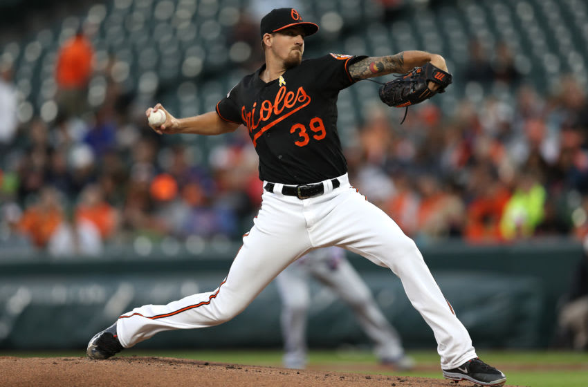 BALTIMORE, MD - SEPTEMBER 01: Starting pitcher Kevin Gausman #39 of the Baltimore Orioles works the first inning against the Toronto Blue Jays at Oriole Park at Camden Yards on September 1, 2017 in Baltimore, Maryland. (Photo by Patrick Smith/Getty Images)