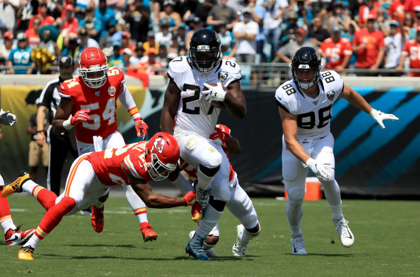 JACKSONVILLE, FLORIDA - SEPTEMBER 08: Leonard Fournette #27 of the Jacksonville Jaguars rushes for yardage during the game against the Kansas City Chiefs at TIAA Bank Field on September 08, 2019 in Jacksonville, Florida. (Photo by Sam Greenwood/Getty Images)