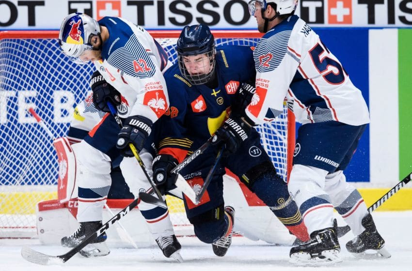 Alexander Holtz, Djurgarden Hockey (Photo by Erik SIMANDER / TT NEWS AGENCY / AFP) / Sweden OUT (Photo by ERIK SIMANDER/TT NEWS AGENCY/AFP via Getty Images)