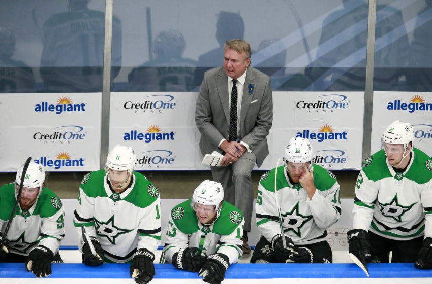 EDMONTON, ALBERTA - AUGUST 03: Head coach Rick Bowness of the Dallas Stars directs his team in the first period against the Vegas Golden Knights in a Western Conference Round Robin game during the 2020 NHL Stanley Cup Playoff at Rogers Place on August 03, 2020 in Edmonton, Alberta. (Photo by Jeff Vinnick/Getty Images)