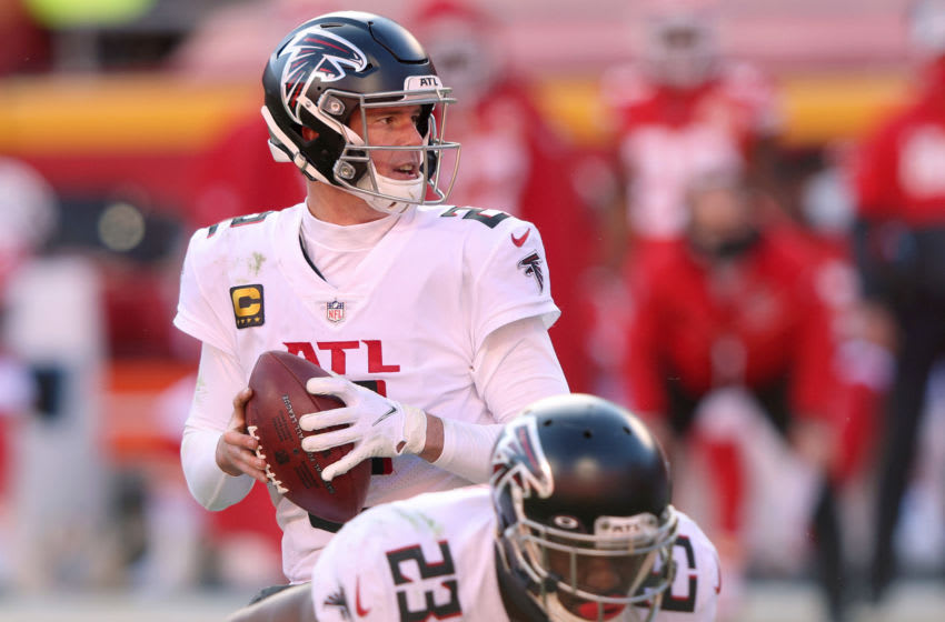 KANSAS CITY, MISSOURI - DECEMBER 27: Matt Ryan #2 of the Atlanta Falcons looks to pass against the Kansas City Chiefs during the fourth quarter at Arrowhead Stadium on December 27, 2020 in Kansas City, Missouri. (Photo by Jamie Squire/Getty Images)