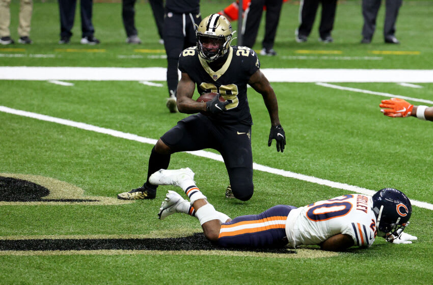 NEW ORLEANS, LOUISIANA - JANUARY 10: Latavius Murray #28 of the New Orleans Saints scores a six yard touchdown against the Chicago Bears during the third quarter in the NFC Wild Card Playoff game at Mercedes Benz Superdome on January 10, 2021 in New Orleans, Louisiana. (Photo by Chris Graythen/Getty Images)