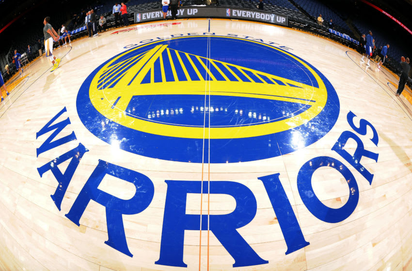OAKLAND, CA - OCTOBER 21: A shot of the Golden State Warriors center court logo prior to the game against the Los Angeles Clippers on October 21, 2014 at Oracle Arena in Oakland, California. NOTE TO USER: User expressly acknowledges and agrees that, by downloading and/or using this Photograph, user is consenting to the terms and conditions of Getty Images License Agreement. Mandatory Copyright Notice: Copyright 2014 NBAE (Photo by Noah Graham/NBAE via Getty Images)