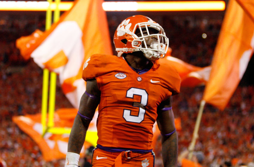 CLEMSON, SC - NOVEMBER 7: Artavis Scott #3 of the Clemson Tigers celebrates after the Tigers scored a touchdown during their game against the Florida State Seminoles at Memorial Stadium on November 7, 2015 in Clemson, South Carolina. (Photo by Tyler Smith/Getty Images)