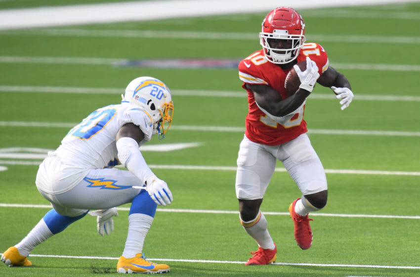 INGLEWOOD, CALIFORNIA - SEPTEMBER 20: Wide receiver Tyreek Hill #10 of the Kansas City Chiefs rushes past defensive back Desmond King #20 of the Los Angeles Chargers during the fourth quarter at SoFi Stadium on September 20, 2020 in Inglewood, California. (Photo by Harry How/Getty Images)