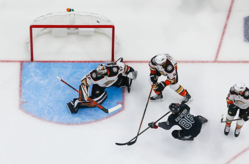TAMPA, FL - NOVEMBER 23: Nikita Kucherov #86 of the Tampa Bay Lightning shoots the puck for a goal against goalie Ryan Miller #30 of the Anaheim Ducks during the second period at Amalie Arena on November 23, 2019 in Tampa, Florida. (Photo by Scott Audette/NHLI via Getty Images)
