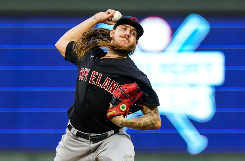 MINNEAPOLIS, MN - JULY 31: Mike Clevinger #52 of the Cleveland Indians pitches against the Minnesota Twins on July 31, 2020 at Target Field in Minneapolis, Minnesota. (Photo by Brace Hemmelgarn/Minnesota Twins/Getty Images)