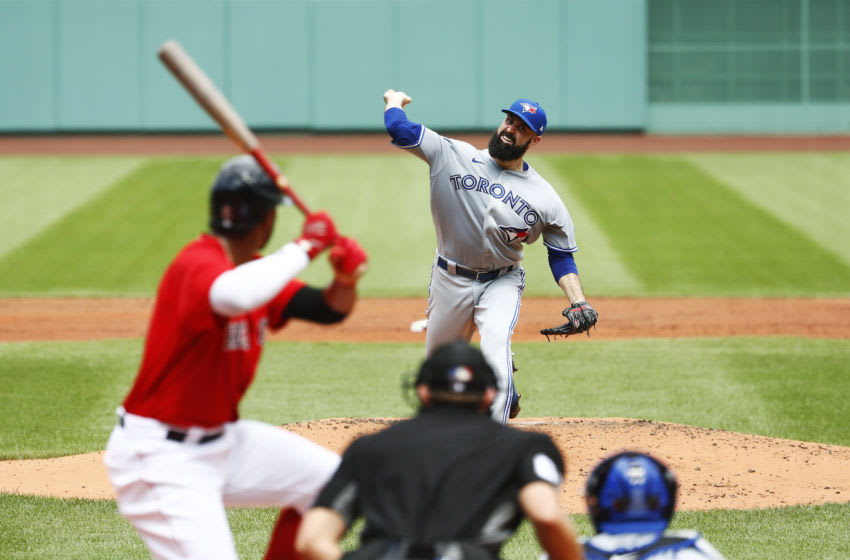 BOSTON, MASSACHUSETTS - AUGUST 09: Starting pitcher Matt Shoemaker #34 of the Toronto Blue Jays pitches in the bottom of the second inning of the game against the Boston Red Sox at Fenway Park on August 09, 2020 in Boston, Massachusetts. (Photo by Omar Rawlings/Getty Images)
