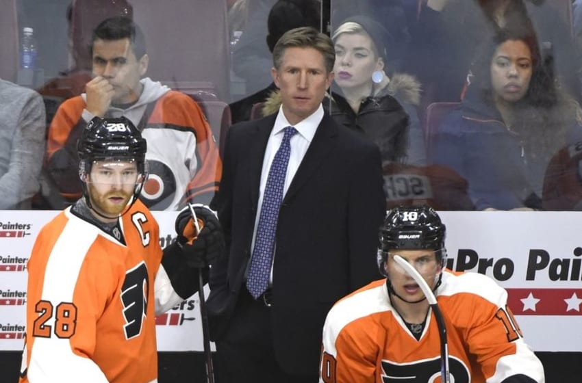 Feb 9, 2016; Philadelphia, PA, USA; Philadelphia Flyers center Claude Giroux (28) and head coach Dave Hakstol against the Anaheim Ducks during the third period at Wells Fargo Center. The Ducks defeated the Flyers, 4-1. Mandatory Credit: Eric Hartline-USA TODAY Sports