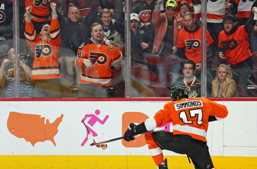 PHILADELPHIA, PA - JANUARY 14: Wayne Simmonds #17 of the Philadelphia Flyers celebrates his third period goal against the Minnesota Wild on January 14, 2019 at the Wells Fargo Center in Philadelphia, Pennsylvania. The goal was his second of the game. (Photo by Len Redkoles/NHLI via Getty Images)