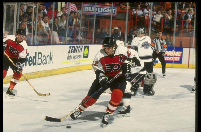 Rick Tocchet, Philadelphia Flyers (Mandatory Credit: Mike Powell /Allsport)