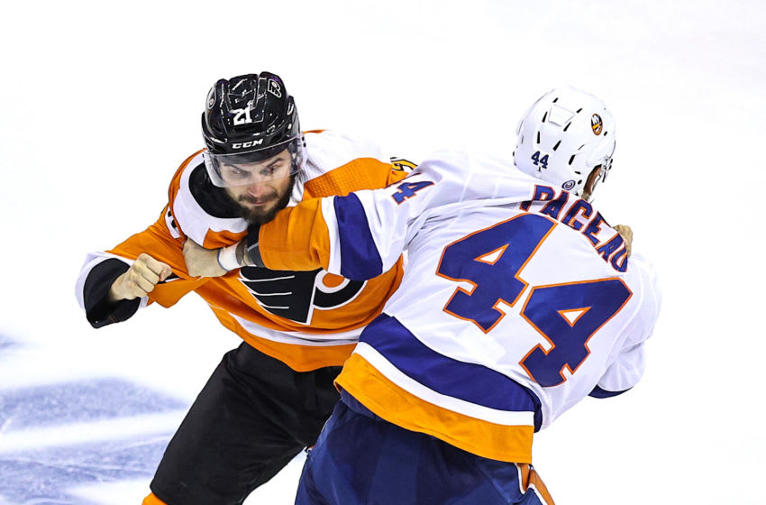 Jean-Gabriel Pageau, New York Islanders and Scott Laughton, Philadelphia Flyers (Photo by Elsa/Getty Images)
