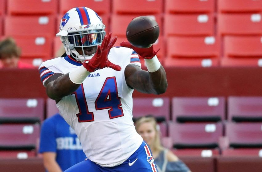 Aug 26, 2016; Landover, MD, USA; Buffalo Bills wide receiver Sammy Watkins (14) catches the ball during warm ups prior to the Bills