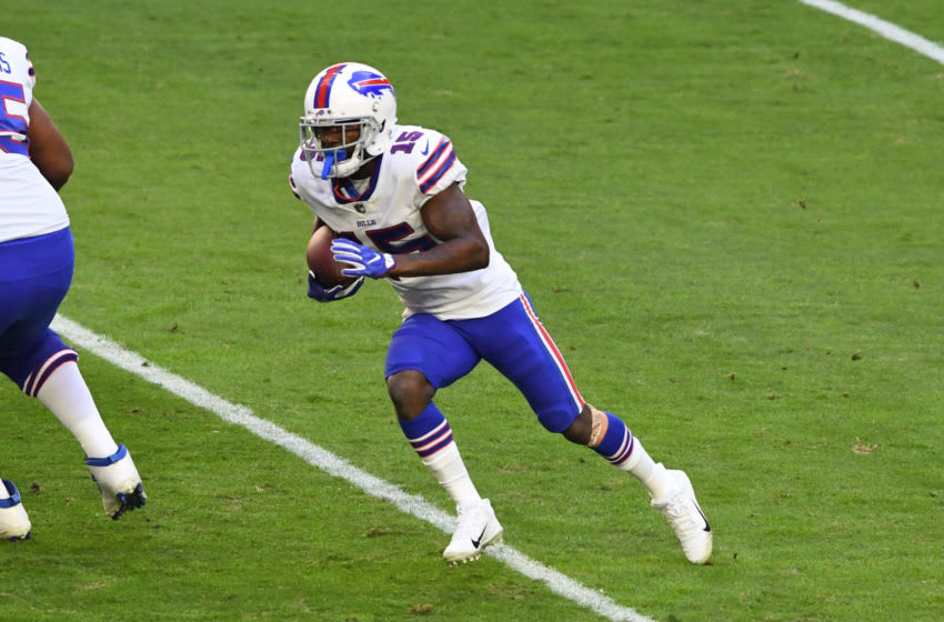 GLENDALE, ARIZONA - NOVEMBER 15: John Brown #15 of the Buffalo Bills runs with the ball against the Arizona Cardinals at State Farm Stadium on November 15, 2020 in Glendale, Arizona. (Photo by Norm Hall/Getty Images)