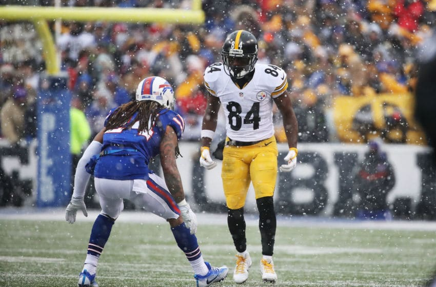 ORCHARD PARK, NY - DECEMBER 11: Antonio Brown #84 of the Pittsburgh Steelers lines up against Stephon Gilmore #24 of the Buffalo Bills during the second half at New Era Field on December 11, 2016 in Orchard Park, New York. (Photo by Tom Szczerbowski/Getty Images)