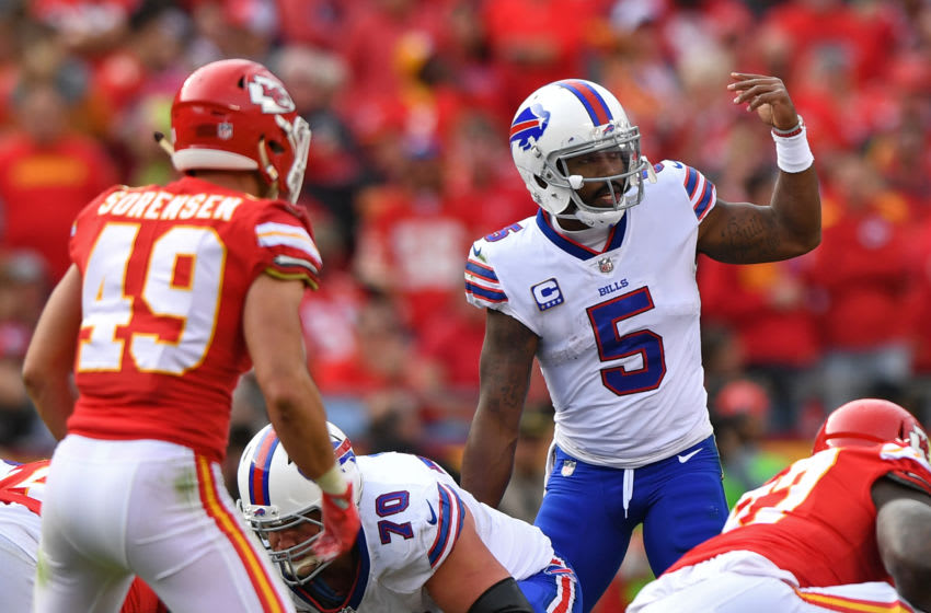KANSAS CITY, MO - NOVEMBER 26: Quarterback Tyrod Taylor #5 of the Buffalo Bills calls out an audible against the Kansas City Chiefs during the second half at Arrowhead Stadium on November 26, 2017 in Kansas City, Missouri. (Photo by Peter G. Aiken/Getty Images)