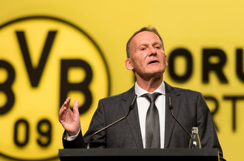 DORTMUND, GERMANY - NOVEMBER 25: (BILD ZEITUNG OUT) CEO Hans-Joachim Watzke of Borussia Dortmund gestures during the shareholders' meeting of Borussia Dortmund at Westfalenhalle on November 25, 2019 in Dortmund, Germany. (Photo by TF-Images/Getty Images)