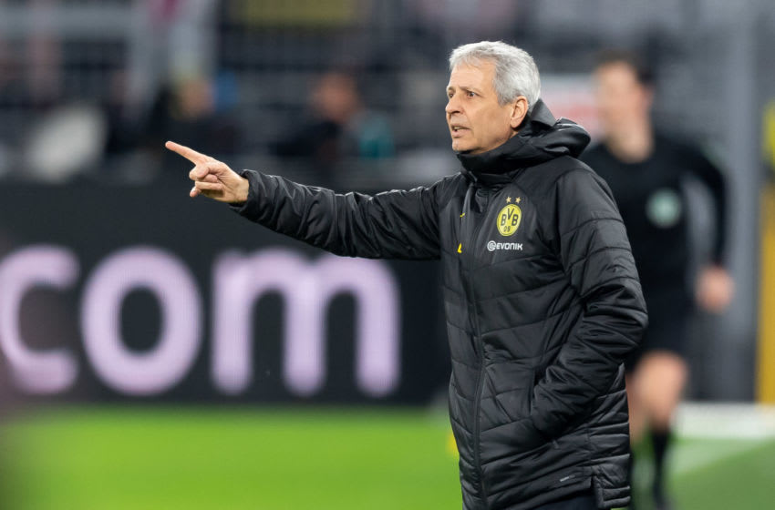 DORTMUND, GERMANY - DECEMBER 17: (BILD ZEITUNG OUT) Head coach Lucien Favre of Dortmund gestures during the Bundesliga match between Borussia Dortmund and RB Leipzig at Signal Iduna Park on December 17, 2019 in Dortmund, Germany. (Photo by TF-Images/Getty Images)