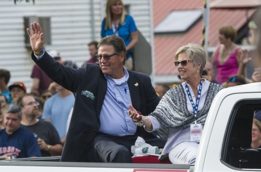 Jul 25, 2015; Cooperstown, NY, USA; Hall of Fame member Carlton Fisk and his wife wave to fans as they arrive at the National Baseball Hall of Fame. Mandatory Credit: Gregory J. Fisher-USA TODAY Sports