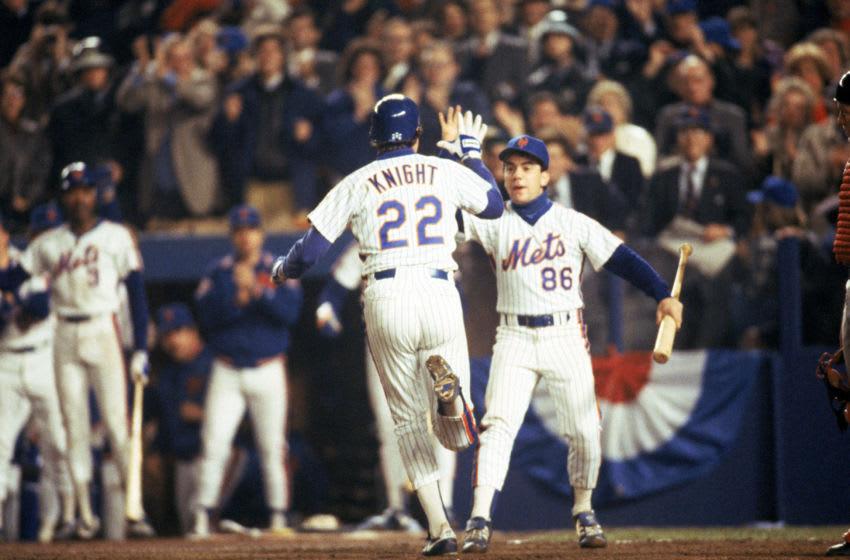 FLUSHING, NY - OCTOBER 27: Third baseman Ray Knight