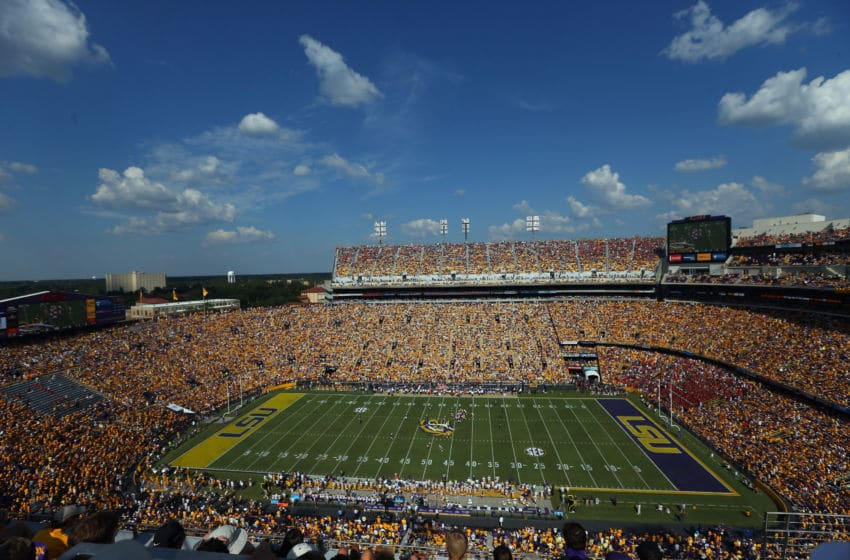 BATON ROUGE, LA - SEPTEMBER 19: A general view of play between the Auburn Tigers and the LSU Tigers at Tiger Stadium on September 19, 2015 in Baton Rouge, Louisiana. (Photo by Ronald Martinez/Getty Images)